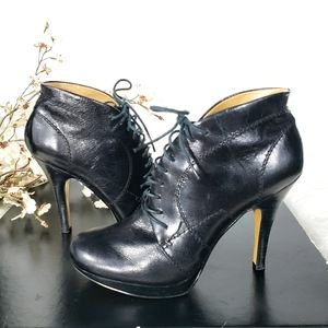 NINE WEST black Trixxy lace up heel round toe boot